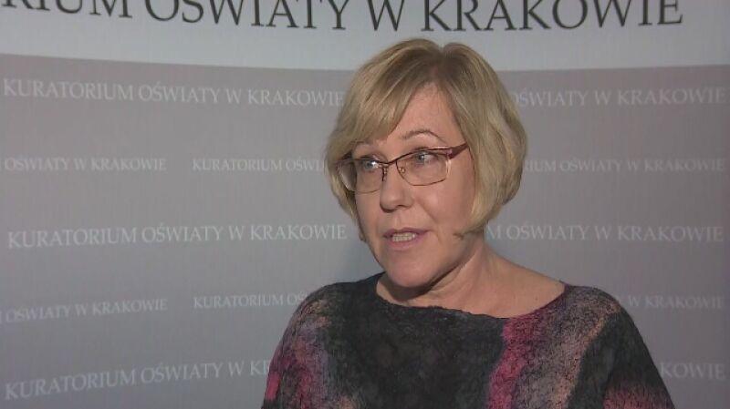 Barbara Nowak o ankietach, w których pytano uczniów między innymi o to, czy nauczyciele prezentują swoje poglądy polityczne