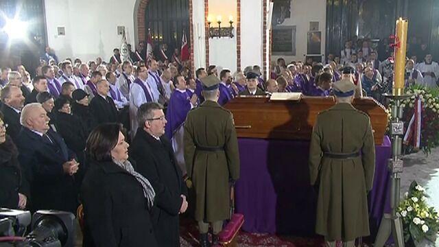 Para prezydencka oddała hołd prymasowi Glempowi