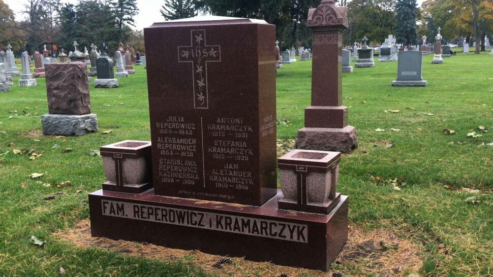 Największy polski cmentarz w USA. Nie wolno palić zniczy, a na nagrobkach nie leżą kwiaty