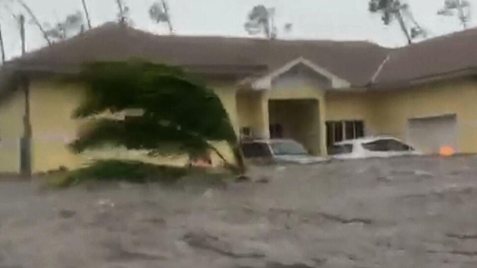 Wyspa Wielka Bahama kolejną dobę mierzy się z huraganem. Dorian prawie się nie przesuwa