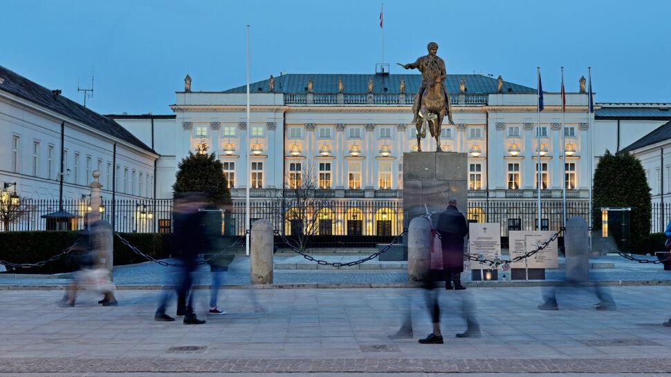 Krakowskie Przedmieście bez barierek, 10 maja bez miesięcznicy