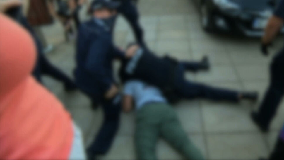 """""""Czy to jest policja, czy to jest tak, że policja inaczej nie może, bo dostaje polecenie polityczne"""""""