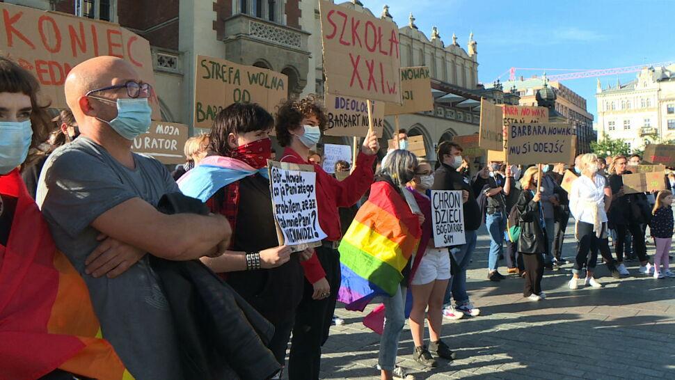 Nauczyciele z Krakowa stają w obronie osób LGBT. Co na to małopolska kurator?