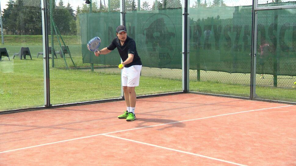 """""""To jest sport dla każdego"""". Sezon padla otwarty w Wilanowie"""