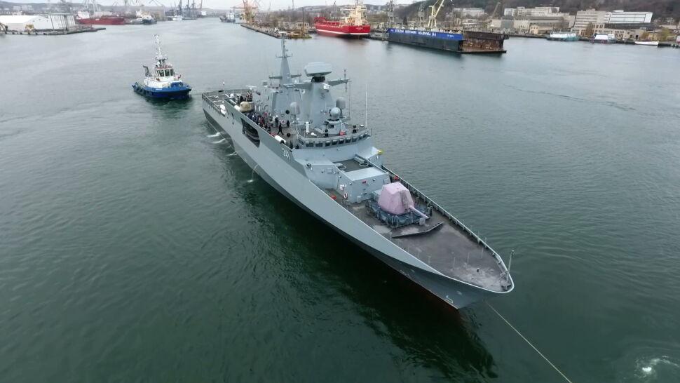 """""""Historyczna chwila"""". Po 18 latach Marynarka Wojenna odebrała okręt ORP Ślązak"""