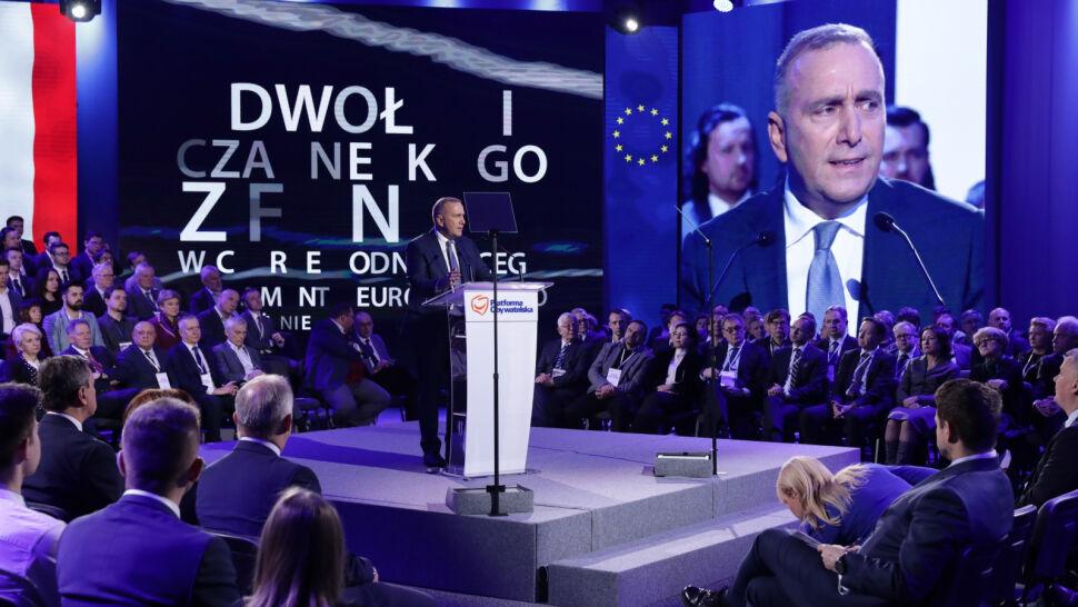 Odezwa Sikorskiego i ostrzeżenia Bieńkowskiej. Obradowała Rada Krajowa PO