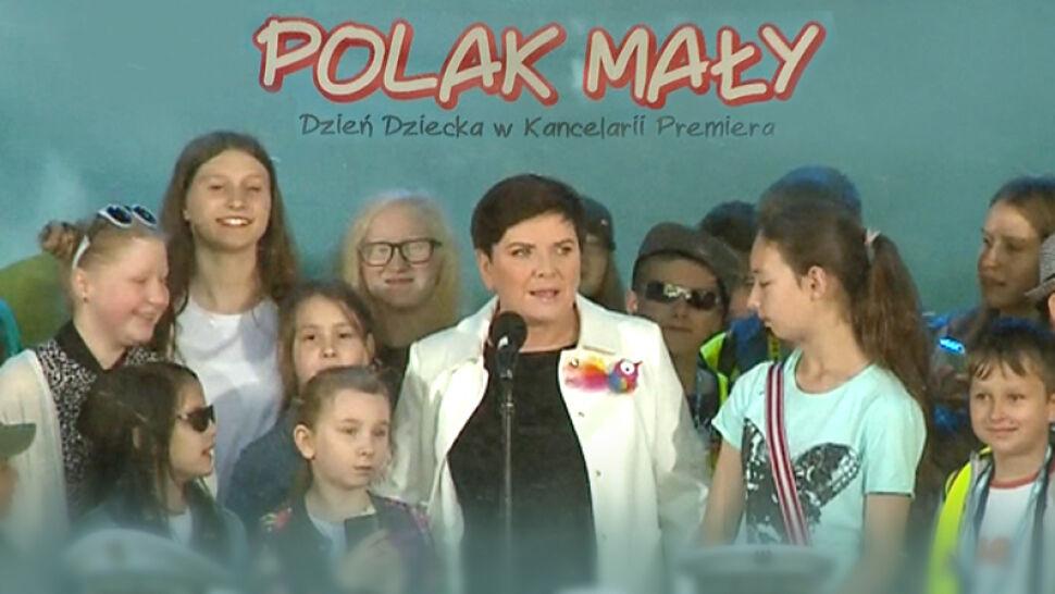 Dzieci w ogrodach Kancelarii Premier Beaty Szydło
