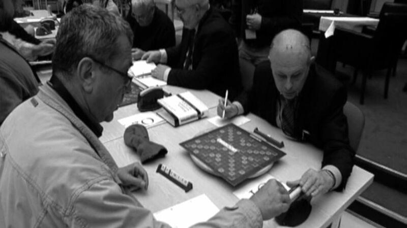 """Turniej Scrabble upamiętniający Grzegorza Miecugowa. """"Dla nas był kolegą o przezwisku Gumowiec"""""""