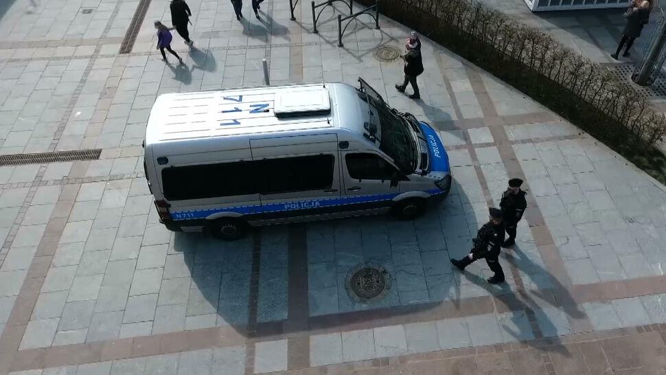Policja wystawia tysiące mandatów za brak maseczki