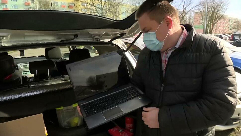 Pan Mariusz z Polic daje drugie życie komputerom i wspiera potrzebujących