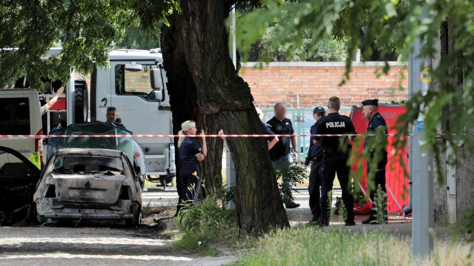 Strzelanina na warszawskim Bródnie. Nie żyje kobieta, 19-latek ranny