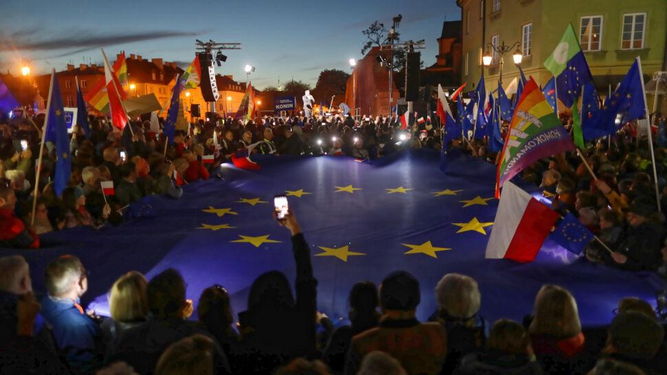 Tysiące osób na prounijnej manifestacji w Warszawie