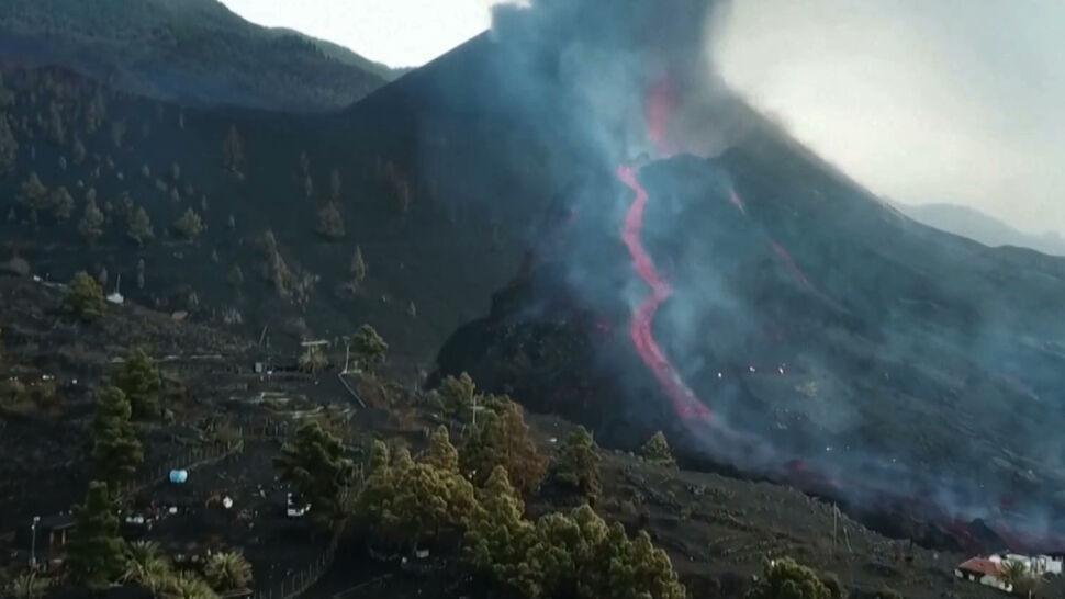 Z wulkanu Cumbre Vieja cały czas spływa lawa. Ewakuowani mieszkańcy nadal nie mogą wrócić do swoich domów