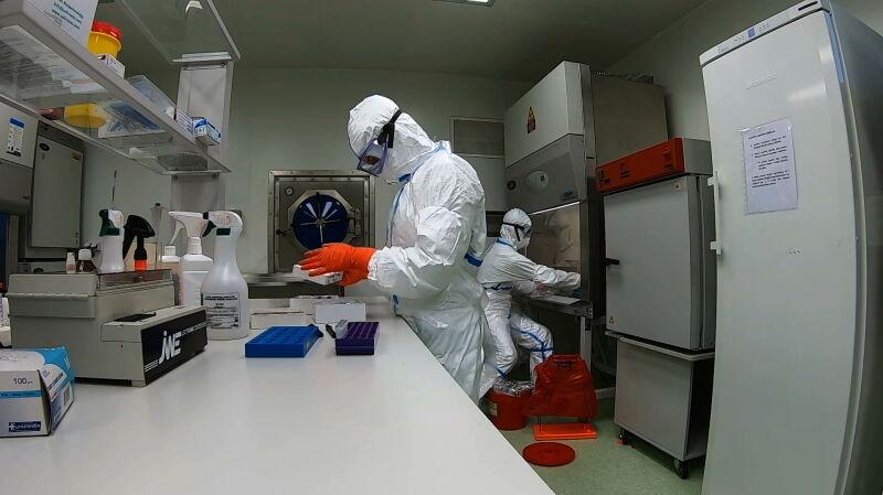 Wojciechowski: 9 stycznia Komisja Europejska alarmowała w sprawie SARS-CoV-2
