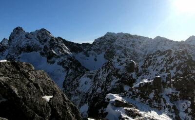 """W Tatrach """"charakterystyczny dźwięk marnej zimy"""". Powoli ma się to zmieniać"""