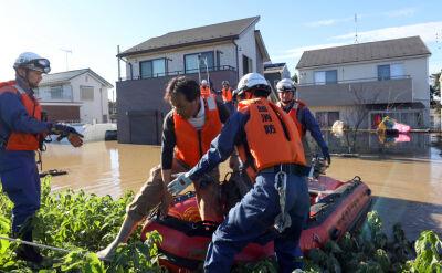 Potężny tajfun uderzył w Japonię. Ponad 30 ofiar śmiertelnych