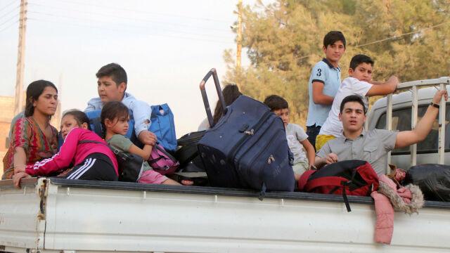 10.10.2019 | Tureccy żołnierze wkroczyli do Syrii. Cywile musieli uciec ze swoich domów