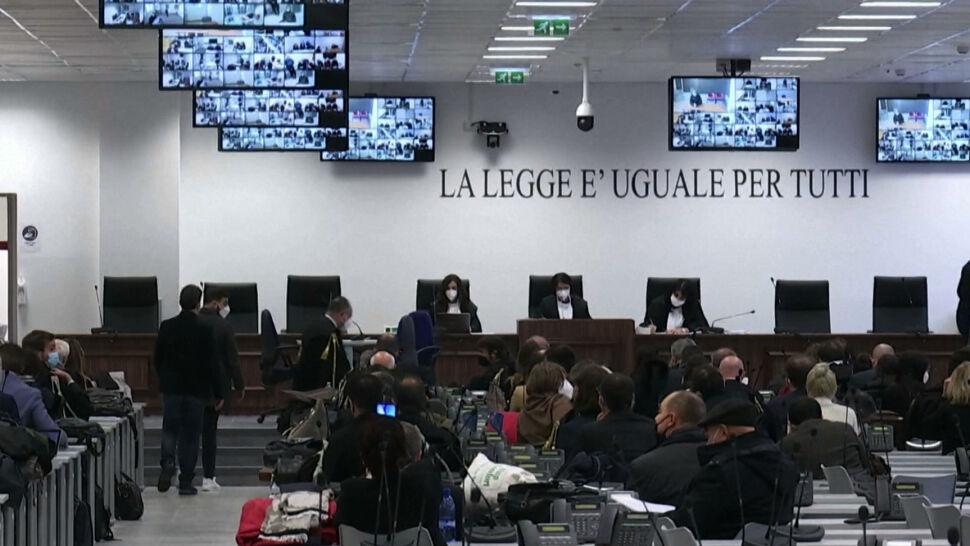 Historyczny proces mafii we Włoszech. 325 oskarżonych