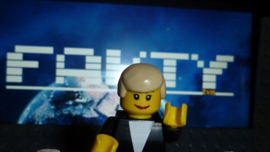 Widz z Poznania zbudował studio Faktów z klocków Lego