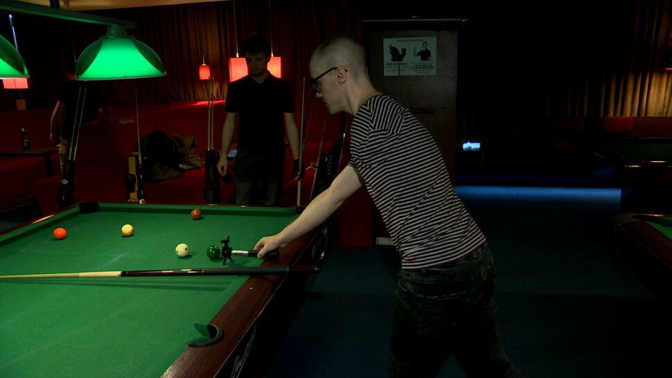 Bez ręki gra w snookera i zwycięża. Ma trzecie miejsce w mistrzostwach świata