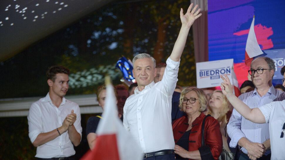 """Niski wynik Roberta Biedronia. """"Temat do refleksji i zachęta do walki"""""""