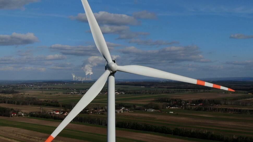 Produkcja prądu z wiatru ponad normę. Przez orkan