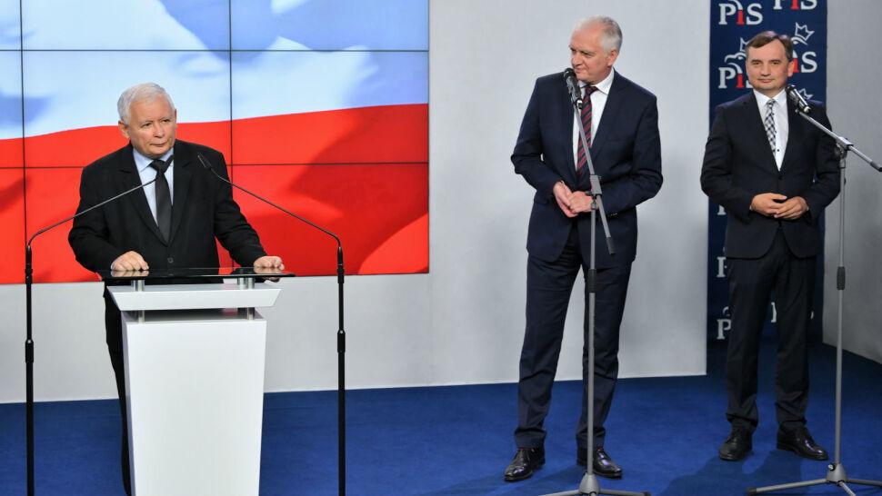 Prawica wciąż zjednoczona. Kaczyński, Gowin i Ziobro dalej kroczą razem