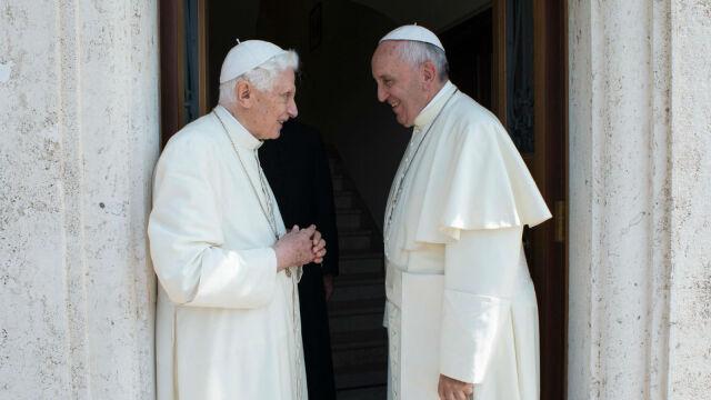 14.01.2020 | Kontrowersyjna książka o celibacie. Benedykt XVI chce usunięcia wizerunku z okładki