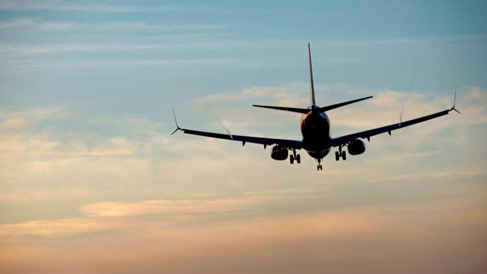Pijani pasażerowie stają się coraz poważniejszym problemem w samolotach