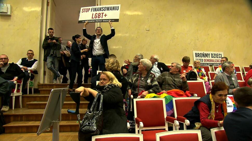 Burzliwe obrady Rady Warszawy. PiS: sprawy LGBT to nie są sprawy samorządu