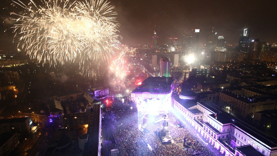Jedni świętowali, inni ratowali życie. Tak Polska witała Nowy Rok