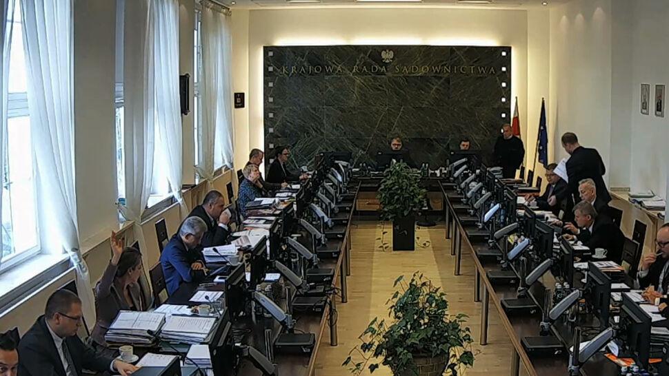 Mimo uchwały Sądu Najwyższego nowa KRS obraduje i nominuje