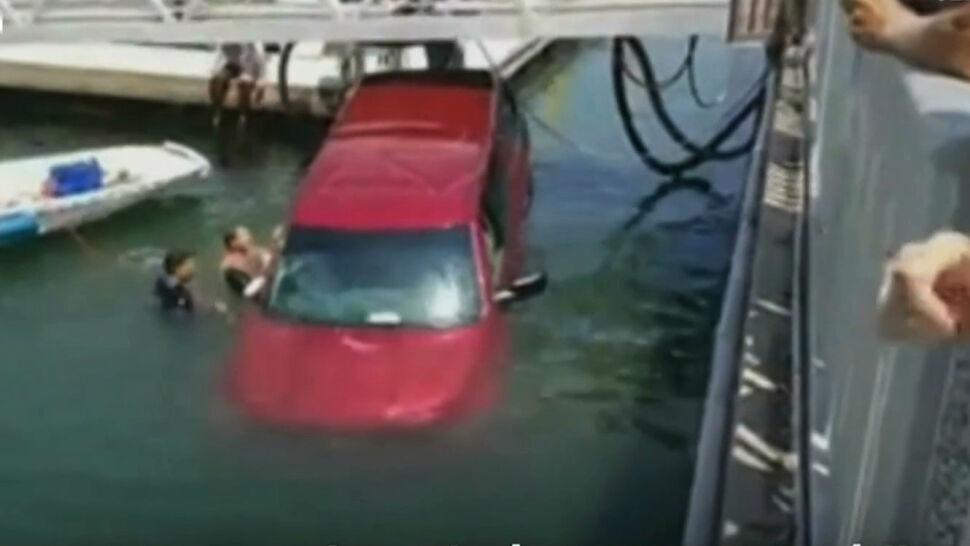 Auto z matką i synem wjechało do wody. Uratowali ich świadkowie