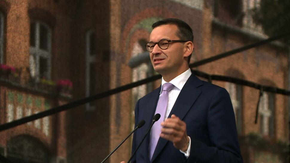 Premier i prezydent nie stronią od antyunijnej retoryki. Pomimo popularności UE