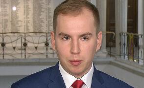 """Opozycja żąda dymisji Andruszkiewicza. Działania prokuratury """"świadczą, że parasol ochronny istniał"""""""