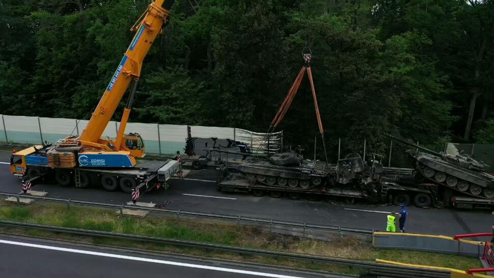 Pożar i eksplozja na autostradzie A6. Dwa czołgi stanęły w ogniu