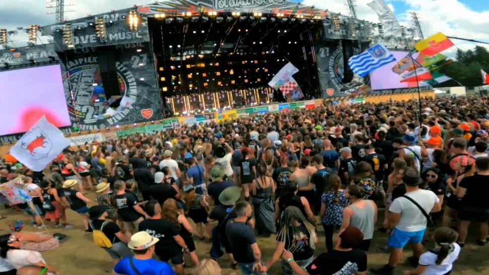 Rozpoczął się Pol'and'Rock Festival 2021. Na lotnisko w Makowicach przybyło 20 tysięcy osób