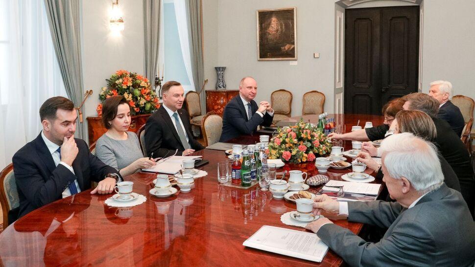 Kampania, ochrona zdrowia i dwa miliardy. Prezydent spotkał się z członkami KRRiT