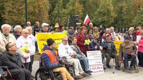 Niepełnosprawni protestują przed KPRM