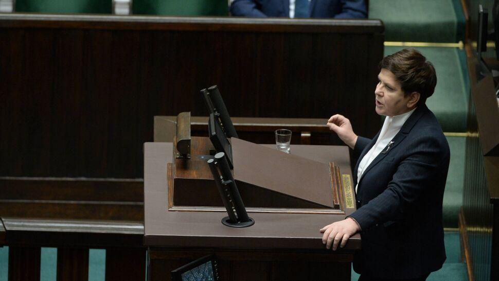 """Prezes PiS chciał, by Beata Szydło """"pokazała pazurki"""" w sprawie nagród w rządzie. Co na to Polacy?"""