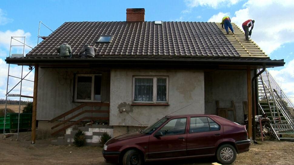 Stracili dom i bliskich w pożarze, pomagają sąsiedzi