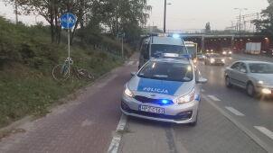 Rowerzyści zderzyli się na ścieżce w tunelu. Jeden trafił do szpitala