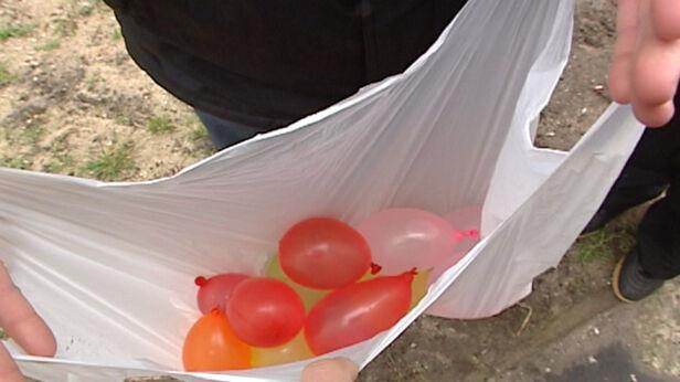 Oblewanie wodą w Poniedziałek Wielkanocny TVN24
