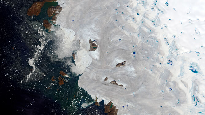 Ponad 10 miliardów ton w jeden dzień. <br />Grenlandia topnieje na naszych oczach