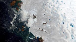 Ponad 10 miliardów ton w jeden dzień. Grenlandia topnieje na naszych oczach