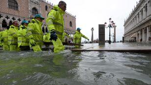 Trzecia fala przeszła przez Wenecję. Pod wodą 70 procent miasta