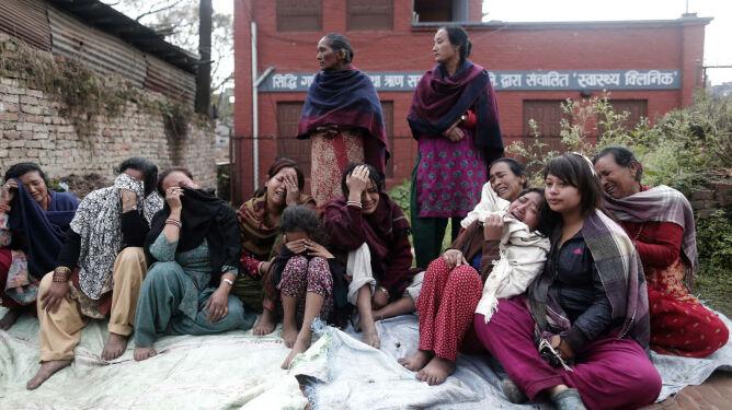 Kolejna lawina po wstrząsach wtórnych w Nepalu. 250 osób zaginęło