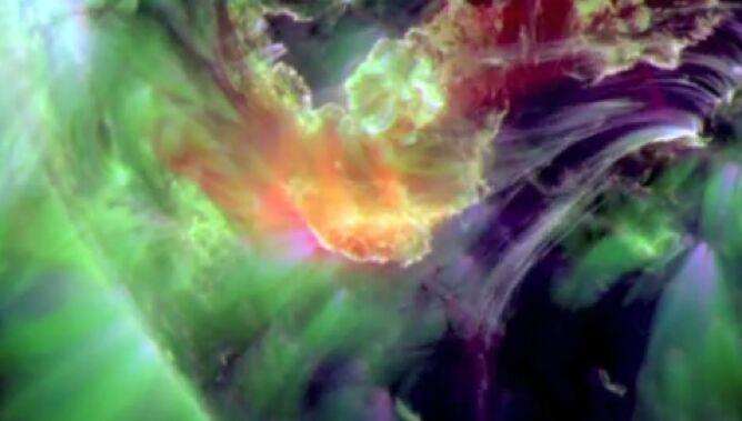 Zjawiskowy wybuch protuberancji. Potem spektakl zorzy polarnej